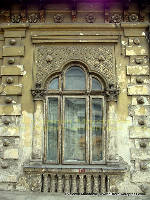 Daily Picture 25 Nov 09 Dilapidated Art Nouveau Window Historic Houses Of Romania