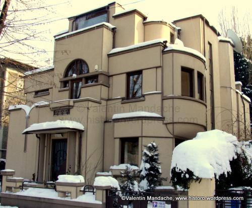 Daily Picture 15 Feb 10 Superlative Bucharest Art Deco