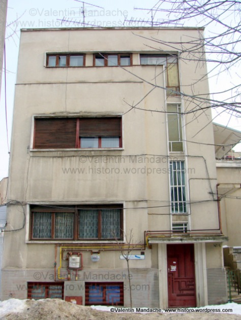 Modernist design house, Bucharest (Valentin Mandache)