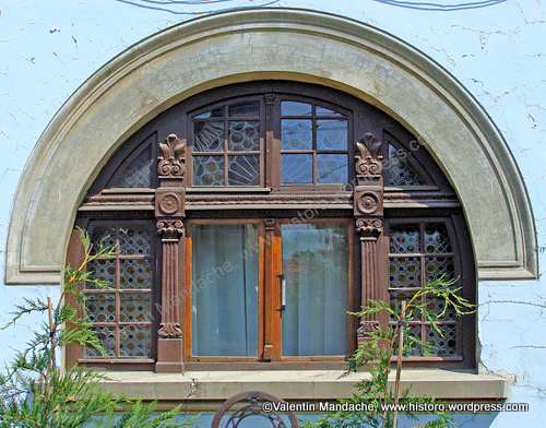 Semicircular neoromanian style window from the 1920s historic houses of romania case de epoca - Neo romanian architecture traditional and functional house plans ...