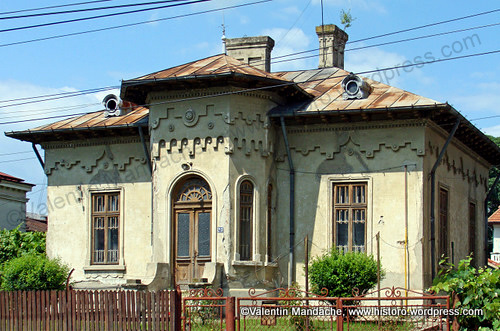 Mixed style houses little paris neo romanian historic houses of romania case de epoca - Neo romanian architecture traditional and functional house plans ...