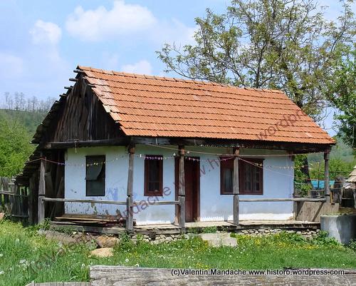 Romanian traditional house historic houses of romania case de epoca - Romanian peasant houses ...