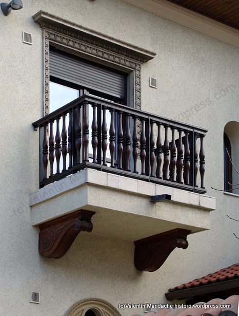 "Mission"" style balcony 