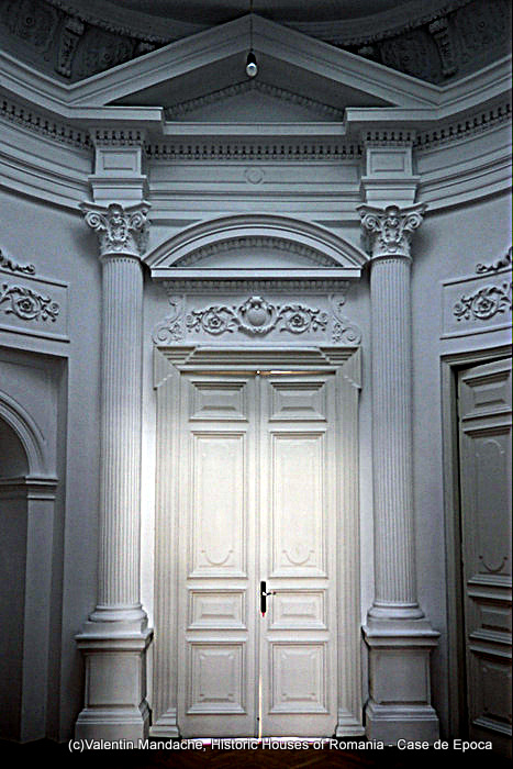 Interior door, the former American Library, Bucharest
