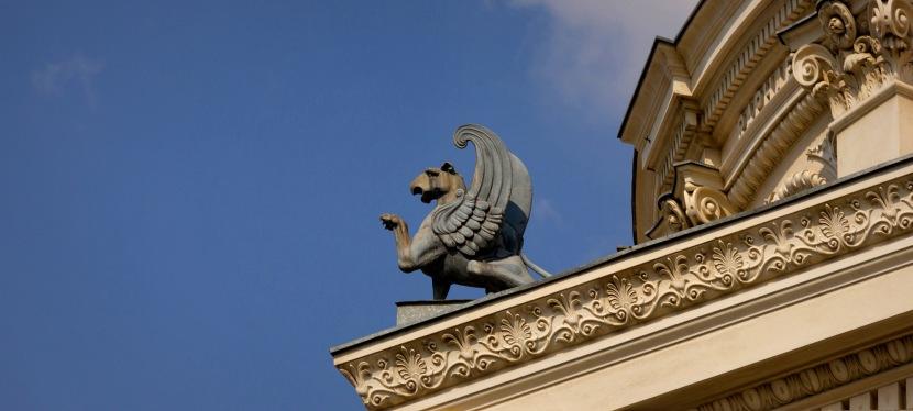 Tour: the architecture of the Athenaeumarea